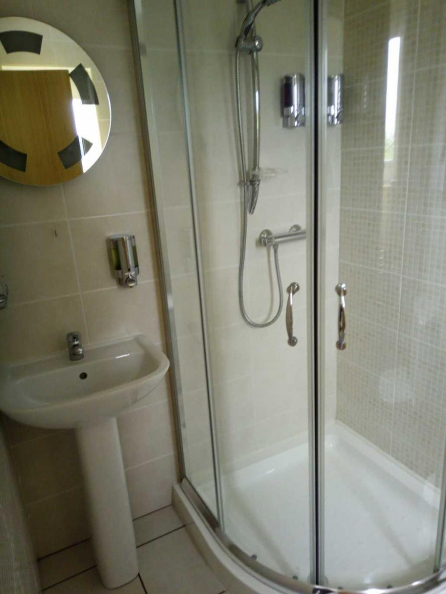 Purple Double Shower room